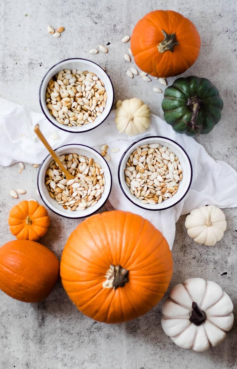 Roasted Pumpkin Seeds | how to roast pumpkin seeds | pumpkin seed recipes | homemade pumpkin seeds | pumpkin seeds || Oh So Delicioso #roastedpumpkinseeds #pumpkinseeds #pumpkinrecipes