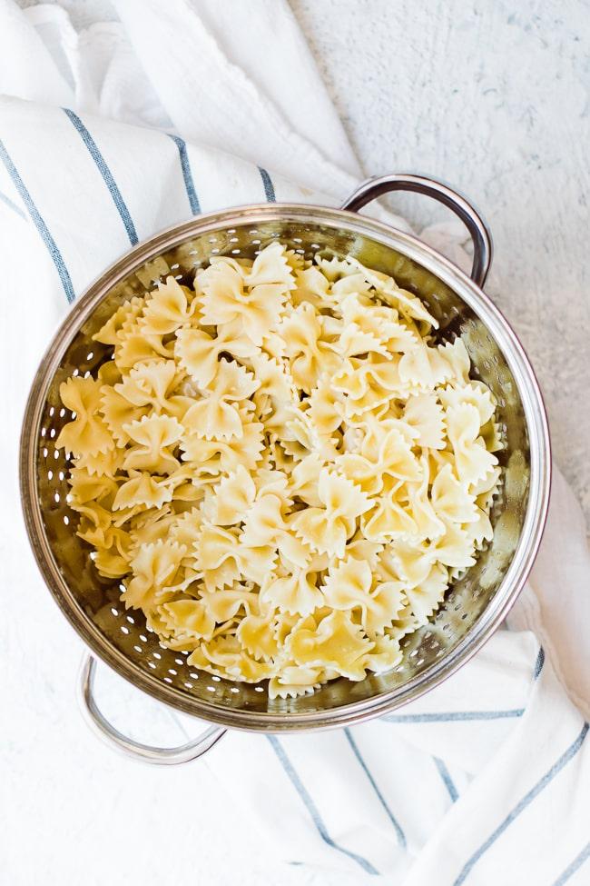drained pasta in colander