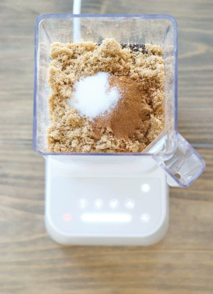Fruit and Nut Oatmeal Mix in a blender