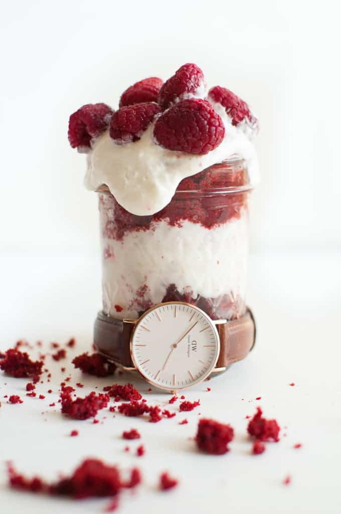 Individual Red Velvet Trifles | how to make a trifle dessert | trifle dessert recipes | homemade trifles | mason jar dessert recipes | red velvet dessert recipes | how to make mason jar desserts | red velvet recipe ideas | homemade dessert recipes || Oh So Delicioso