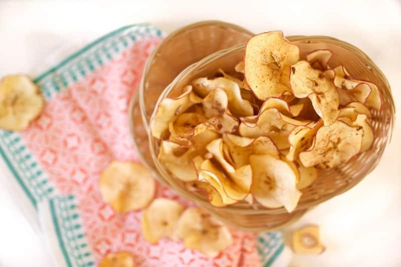 Cinnamon Apple Chips // Summer Snack Series