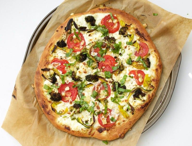 Roasted Veggie and Homemade Ricotta Pizza | homemade pizza recipes | veggie pizza recipes | how to make a homemade pizza | pizza recipe ideas | vegetable pizza recipe || Oh So Delicioso