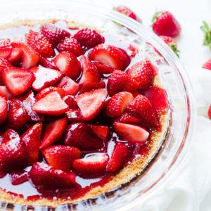 strawberry pie setting