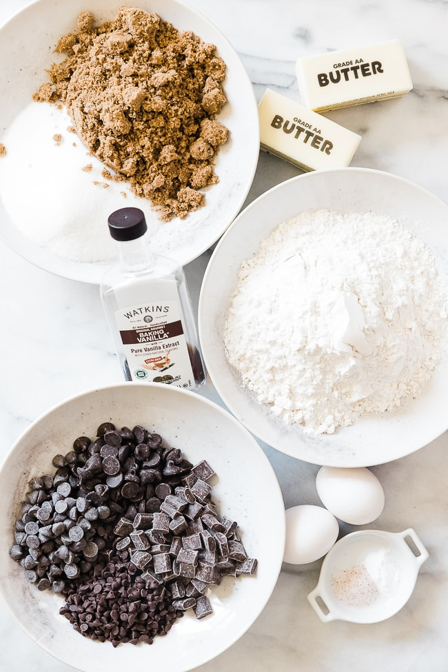 Ingredients needed to make a pizookie.