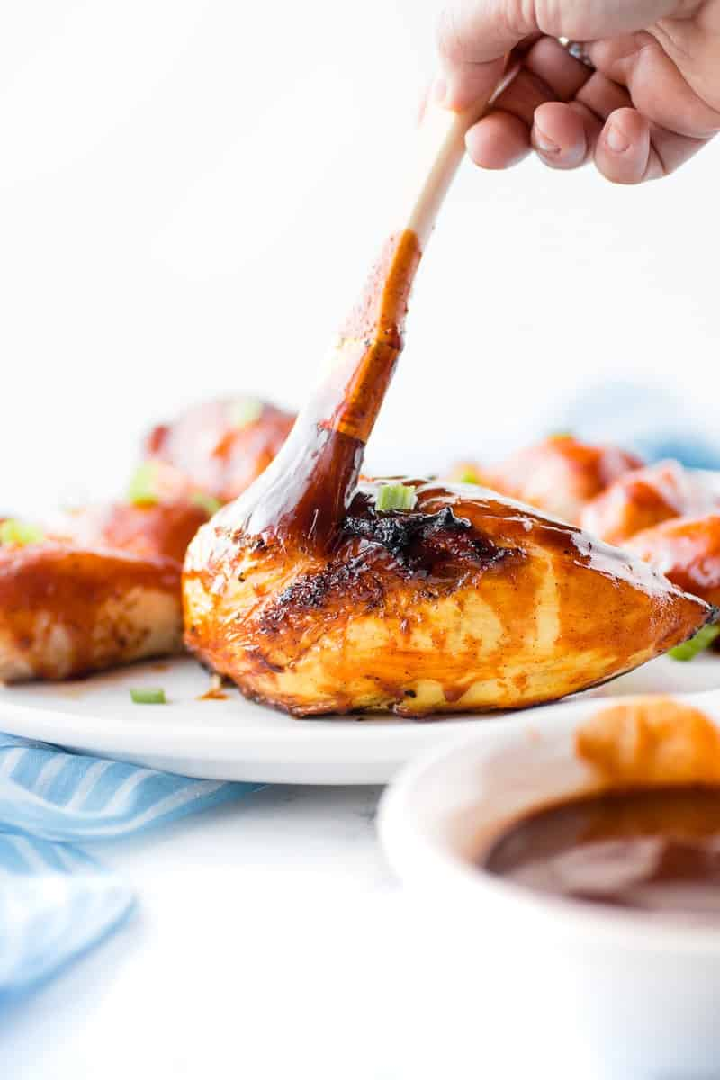 BBQ Chicken with Homemade Sauce | bbq chicken recipes | how to make bbq chicken | barbecue chicken recipes | how to make barbecue chicken | chicken recipe ideas | homemade barbecue sauce | homemade bbq sauce | how to make homemade barbecue sauce | homemade sauces and marinades || Oh So Delicioso