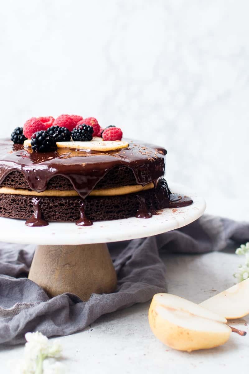Chocolate Harvest Cake | fall cake recipes | fall fruit recipes | recipes using fall fruits | harvest dessert recipes | fall dessert recipes | chocolate cake recipes || Oh So Delicioso #falldesserts #harvestcake