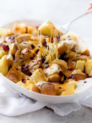 Pressure Cooker Cheesy Potatoes Recipe by popular Los Angeles food blogger Oh So Delicioso