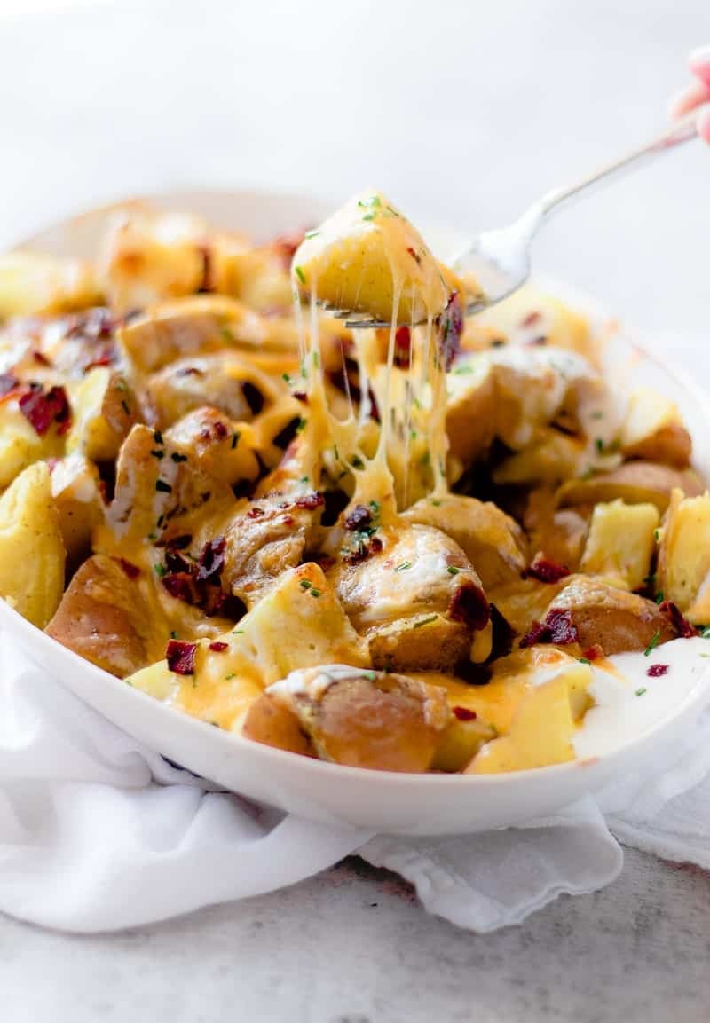 Pressure Cooker Cheesy Potatoes | instant pot appetizer recipes | instant pot potato recipes | cheesy potato recipes | quick appetizer recipes || Oh So Delicioso #cheesypotatoes #instantpot #pressurecooker #easyappetizer