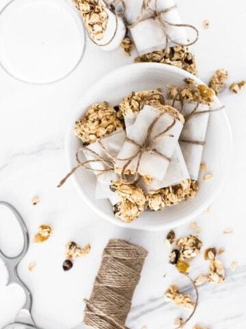 Homemade Oatmeal Raisin Granola Bars