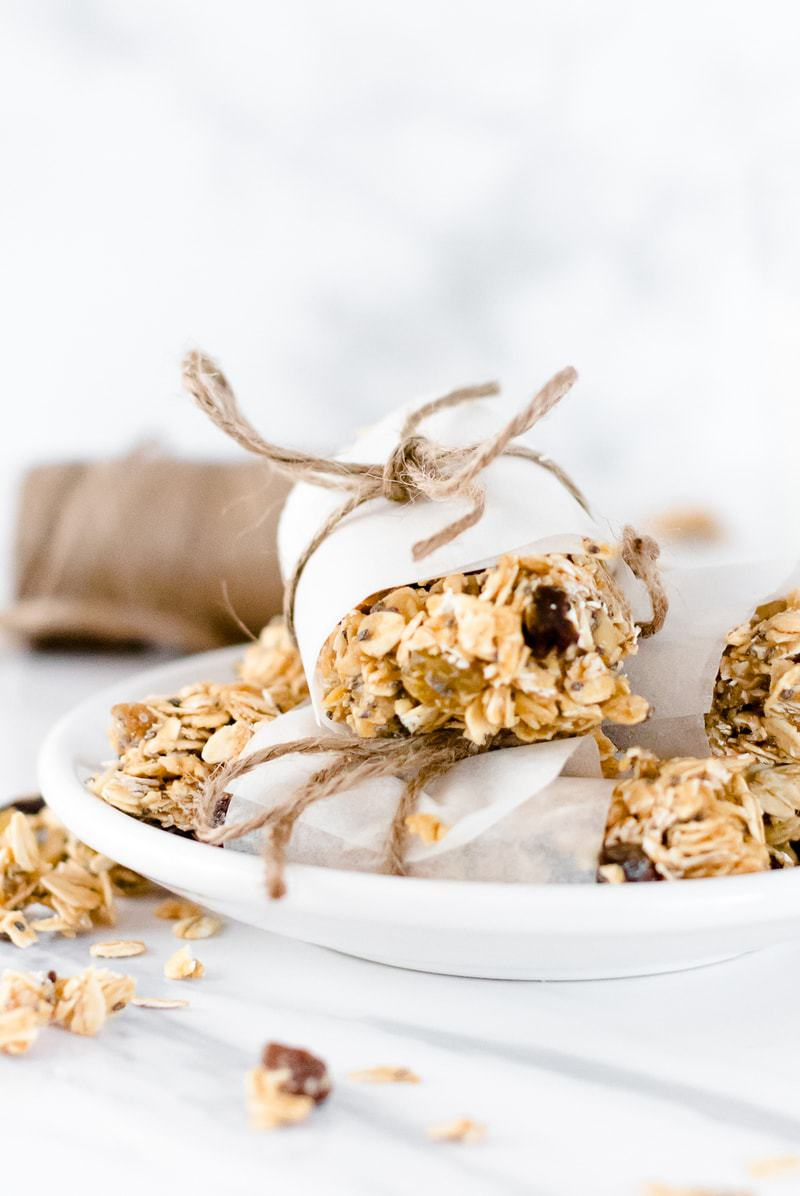 Homemade Oatmeal Raisin Granola Bars