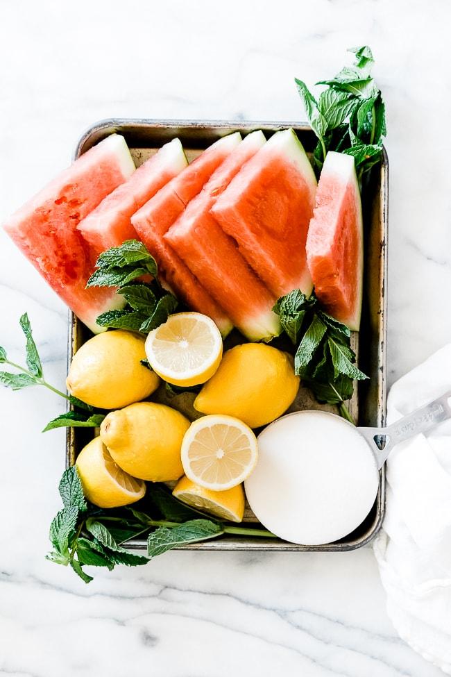 Ingredients needed to make watermelon lemonade.