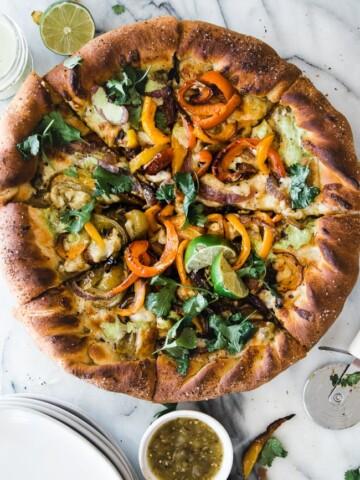 pizza with fajita veggies on top